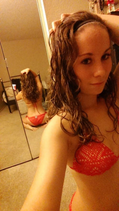 mirror-girls-93.jpg.pagespeed.ce.L6Uu4IW9rJ