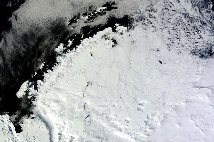 A Giant Hole Just Opened Up In Antarctica That's Got Scientists Stumped