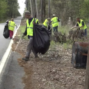 Little Rock, Arkansas Gives Homeless Jobs By Picking Up Litter And Pays $9.25/Hour